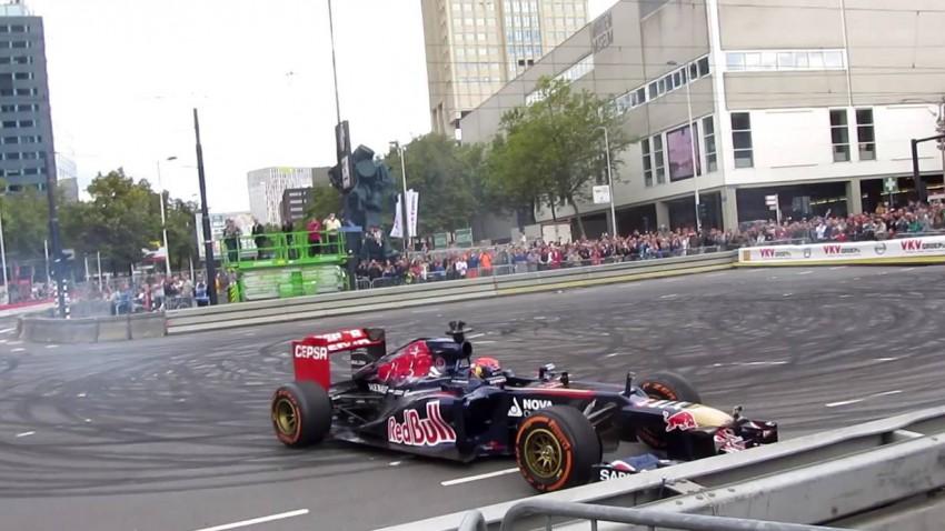 Verstappen crasht beim ersten Auftritt in aller Öffentlichkeit den Toro Rosso