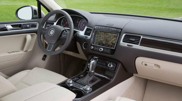 _VW-Touareg-V6-TDI-2014-13
