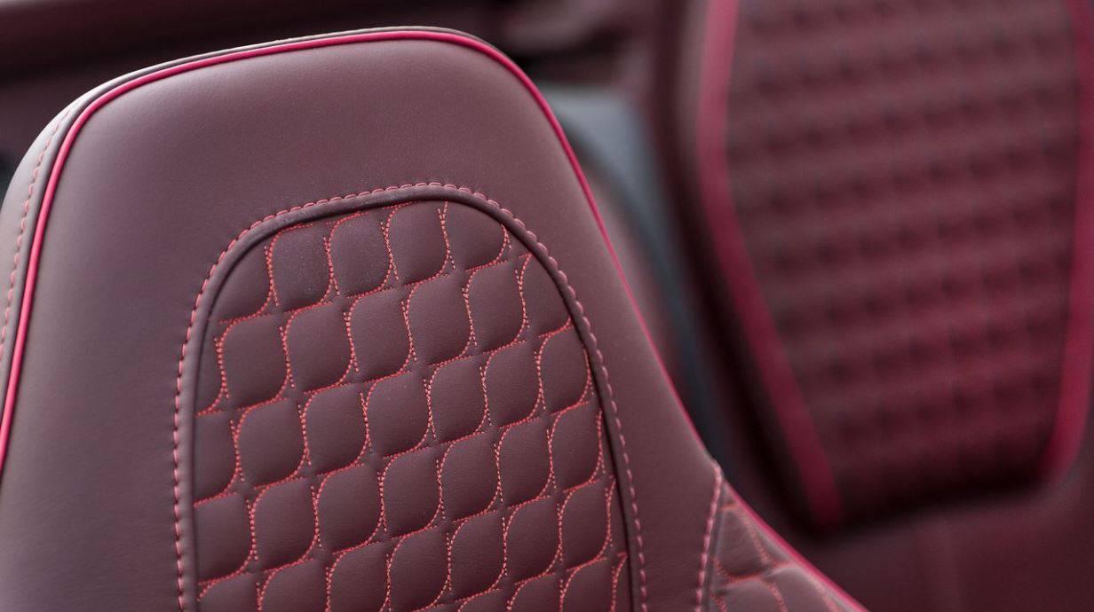 Aston Martin Vanquish Volante V12S