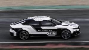 Ein Auto, das in Bestzeit fahrerlos über die Rennstrecke brettet. Die Zukunft? Wollen wir das? Brauchen wir das?