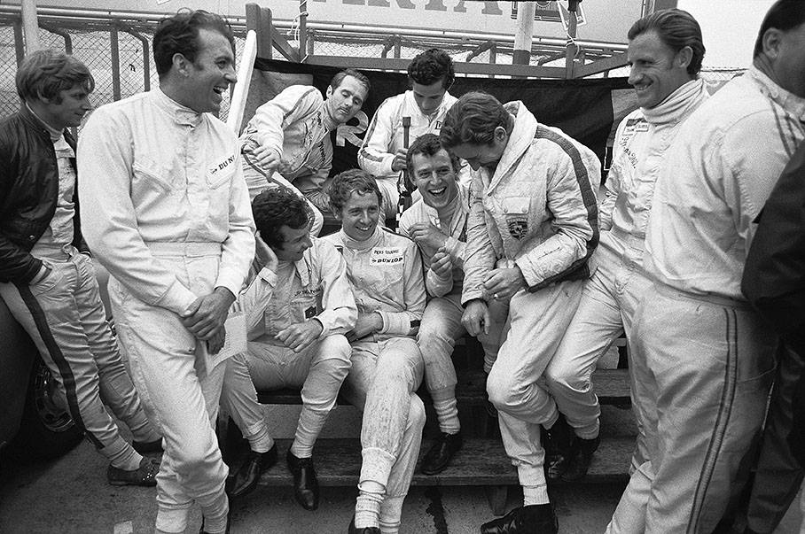 (l. n. r.) Kurt Ahrens, Hubert Hahne, Lucien Bianchi (top), Jean-Pierre Beltoise, Piers Courage, Jacky Ickx (top), Jo Siffert and Graham Hill. / © deviantart.com/F1-history