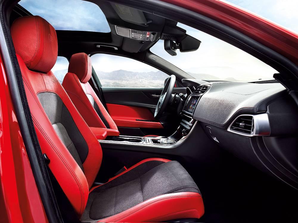 jaguar xe 2015 rot innenraum interieur sitze cockpit