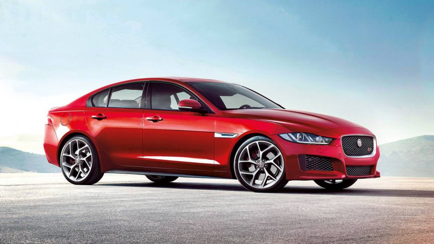 jaguar xe 2015 rot seite seitlich vorne front scheinwerfer