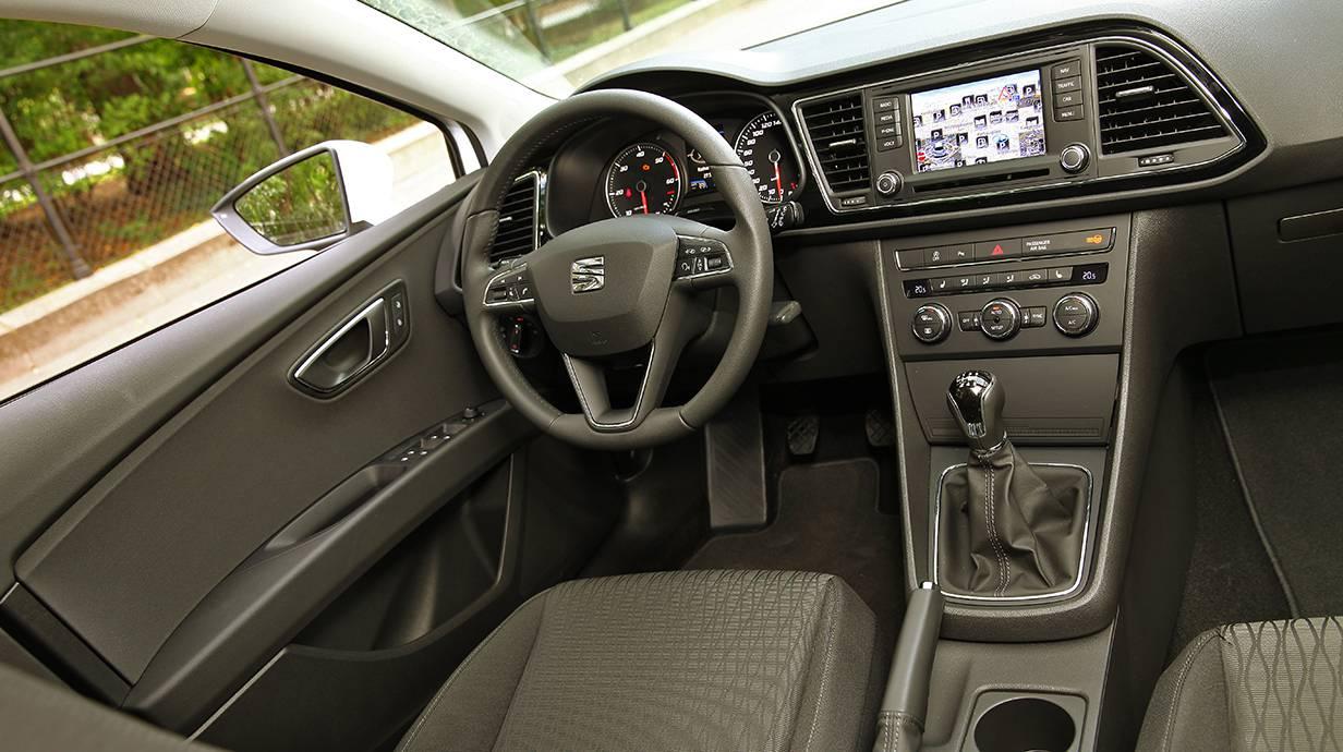 Seat-Leon-st-4drive-2014-4