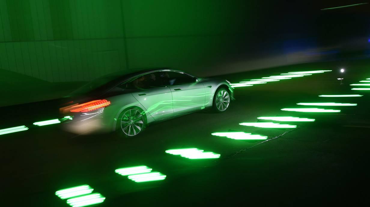 """Tesla """"D"""" Model S"""