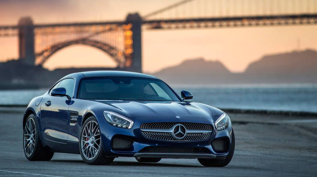 Mercedes AMG GTS (1)