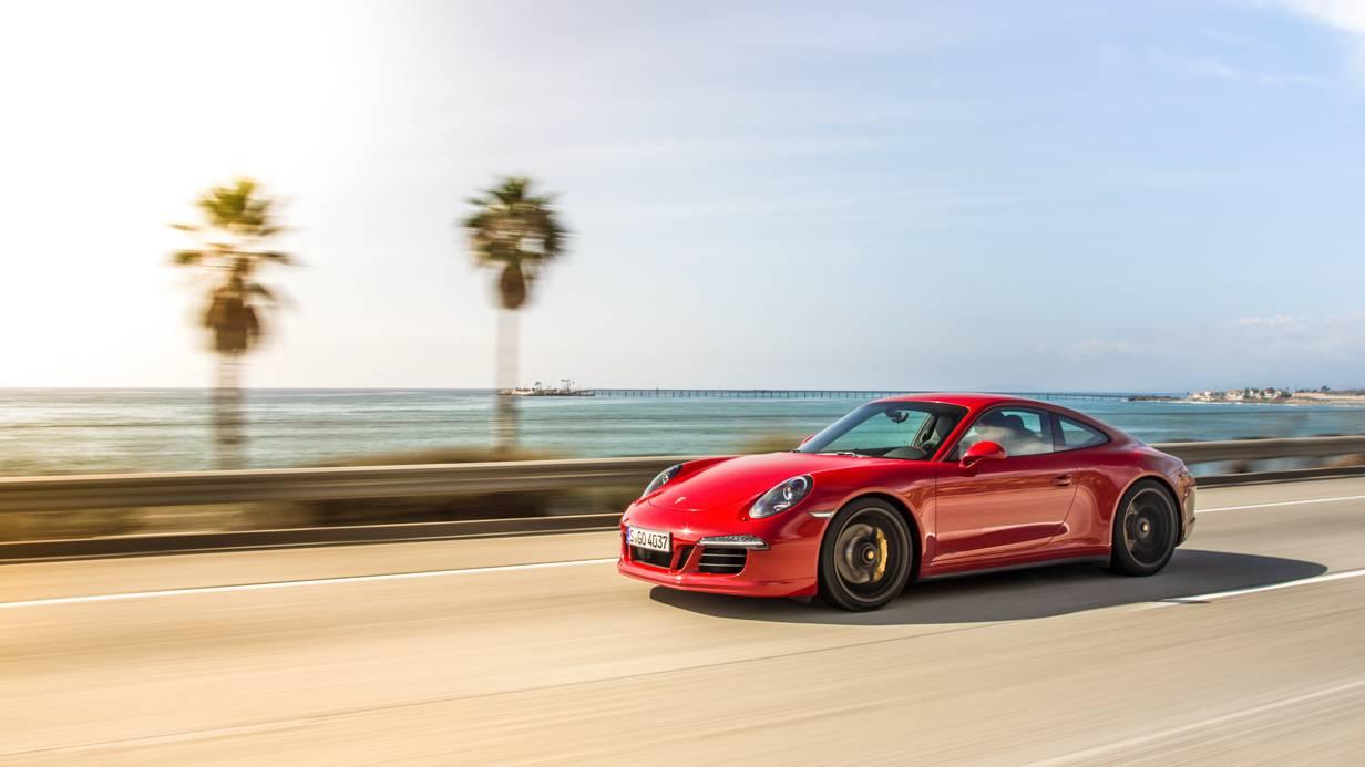 Porsche 911 Carrera GTS Wallpaper 3