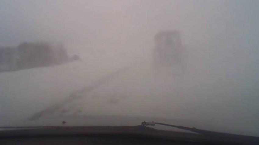 Du sollst auf Schneefahrbahnen nicht zu schnell fahren