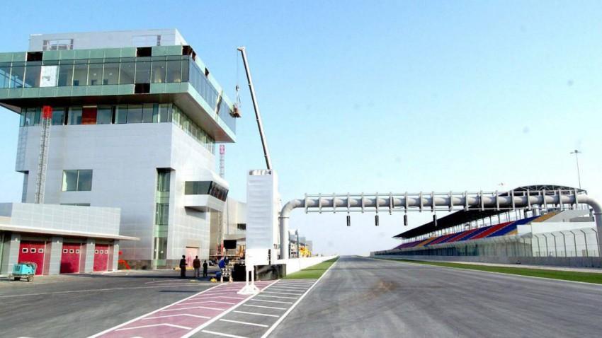 Ein Rennen auf der 2004 neu errichteten Internationalen Losail Rennstrecke steht im Raum.
