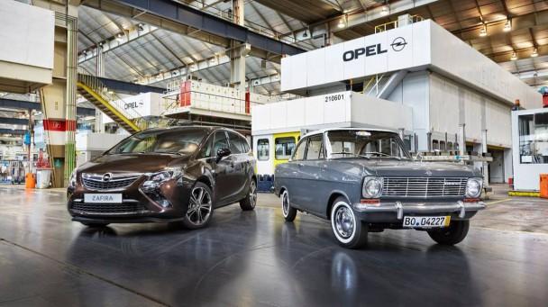 Der erste und der letzte Opel des Werks in Bochum: Zafira und Ascona.