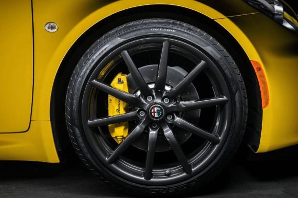 _Alfa-Romeo-4C-Spider (1)