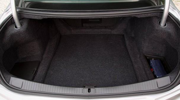 _Cadillac-CTS-Sedan-(2)