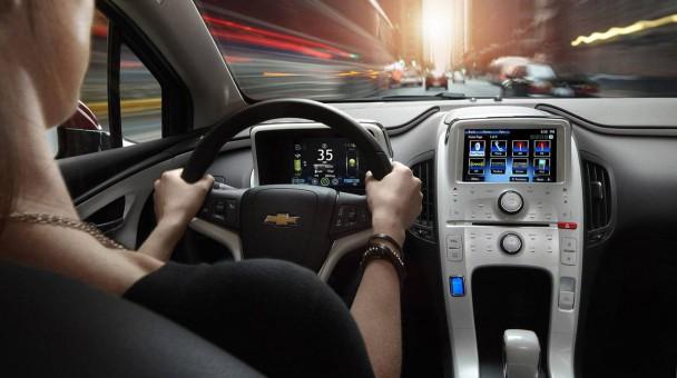 _Chevrolet-Volt-2015-innen