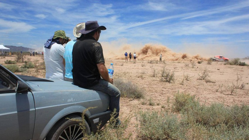 Coma (Motorrad) und Al-Attiyah (Auto) gewinnen die Rallye Dakar 2015.