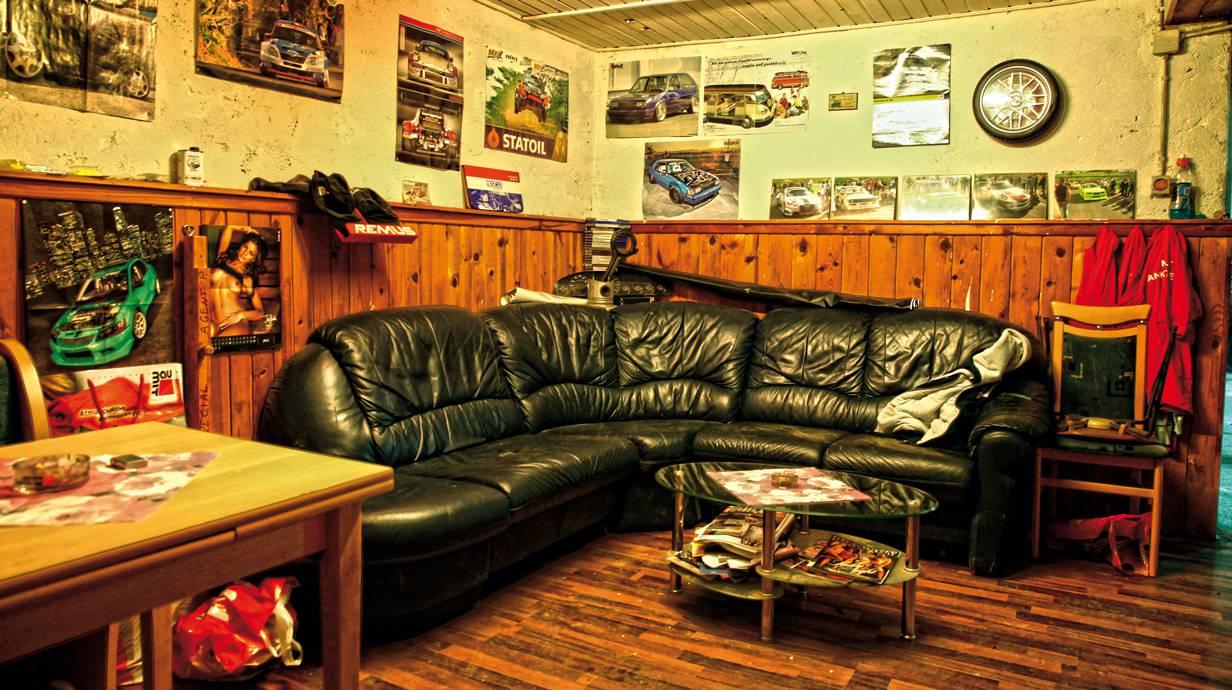 Wohnzimmer Wie jede Familie hat auch diese ihr Zuhause.