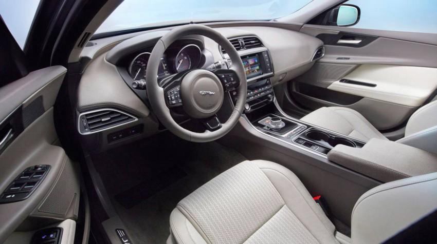 _Jaguar-XE-Jahrgang-2015-(13)