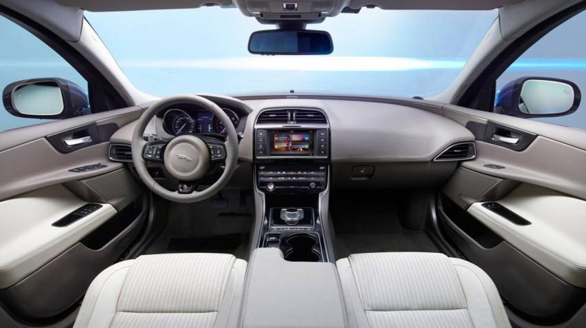 _Jaguar-XE-Jahrgang-2015-(14)