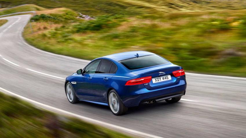 _Jaguar-XE-Jahrgang-2015-(17)