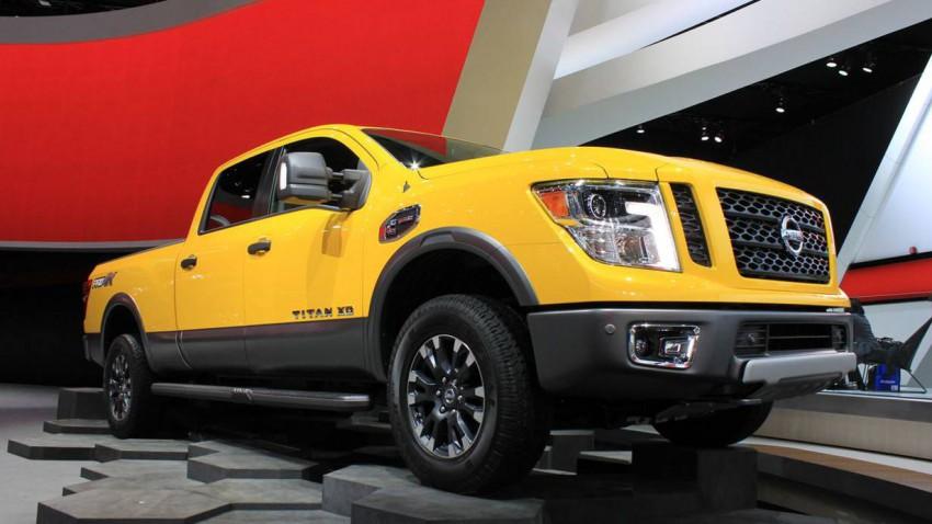 Nissan Titan (1)