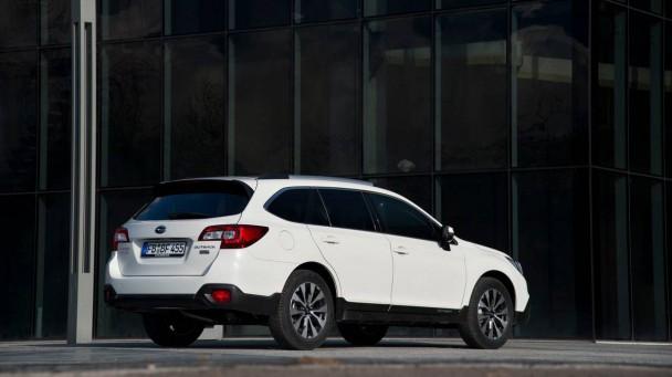 Subaru Outback 2.0D Sport  2015 4