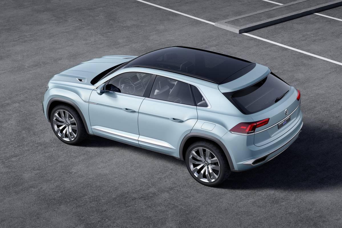 _VW Cross Coupé GTE Concept (12)