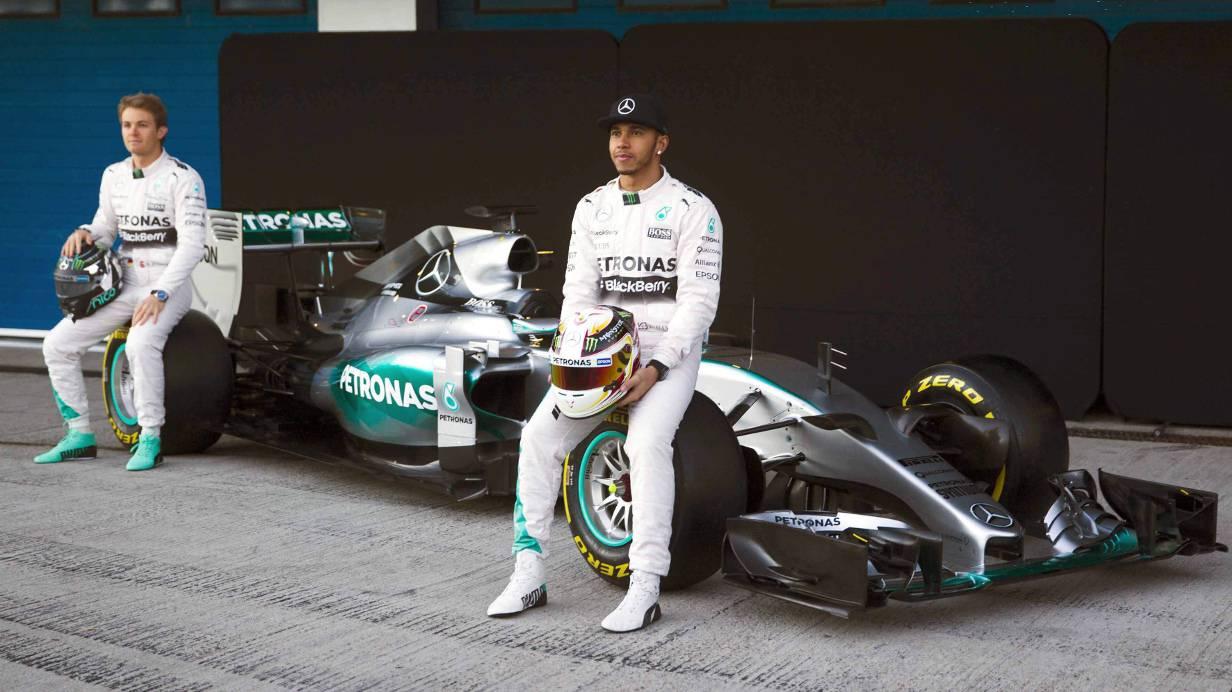 Rosberg und Hamilton mit ihrem neuen Silberfpeil.