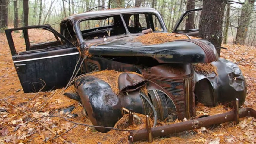 Verrottende Autoklassiker sind der Stoff, aus dem Alpträume sind