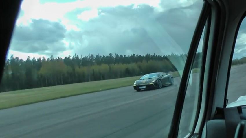 BMW E30 vs. Lamborghini Gallardo