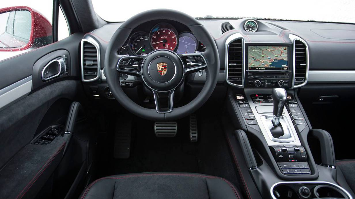 die absolute souver nit t porsche cayenne gts und. Black Bedroom Furniture Sets. Home Design Ideas