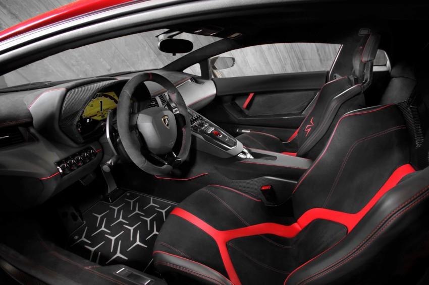 Lamborghini Aventador LP 750-4 SV interieur innen lenkrad sitze