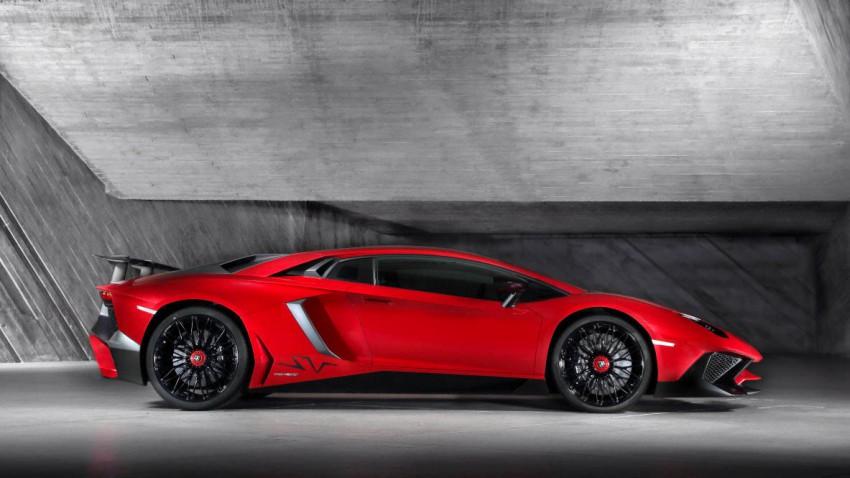 Lamborghini Aventador LP 750-4 SV seite