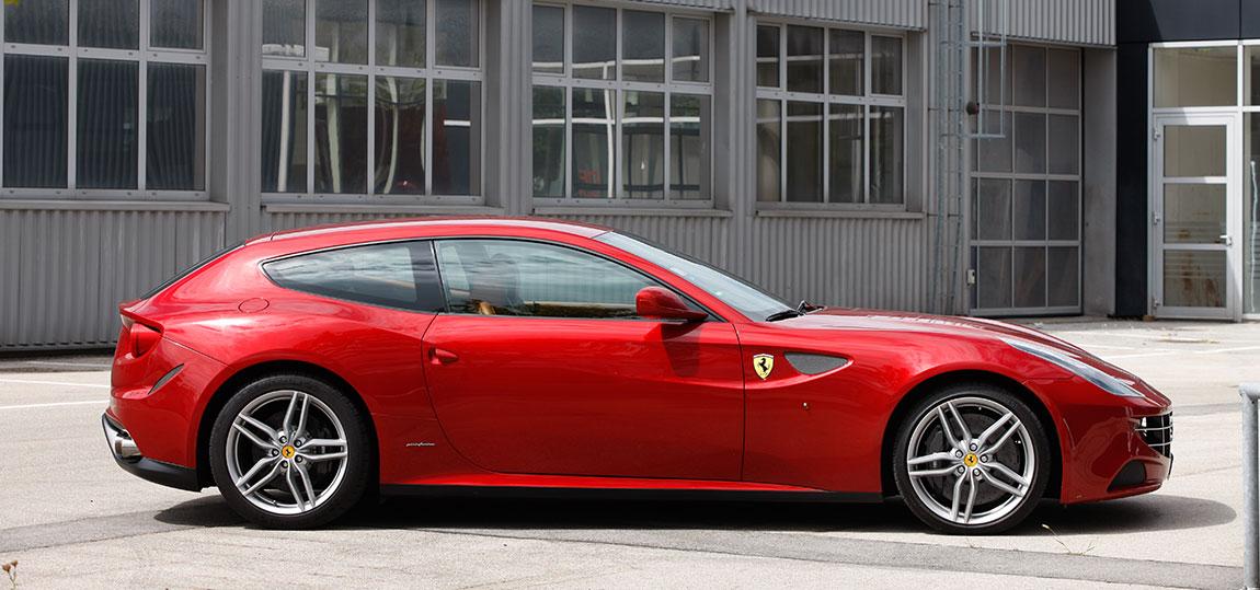 Ferrari-FF-Katalog