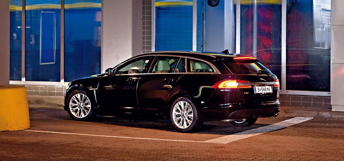 Jaguar-Sportbrake_3--AR