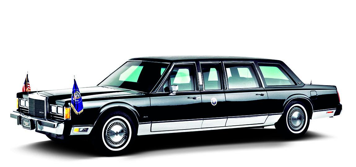 1989 - Presidential Series. Pünktlich zum Fall des Eisernen Vorhangs kann Georg Bush senior den Kommunisten zeigen, wie Staatslenker  gefahren werden sollten.