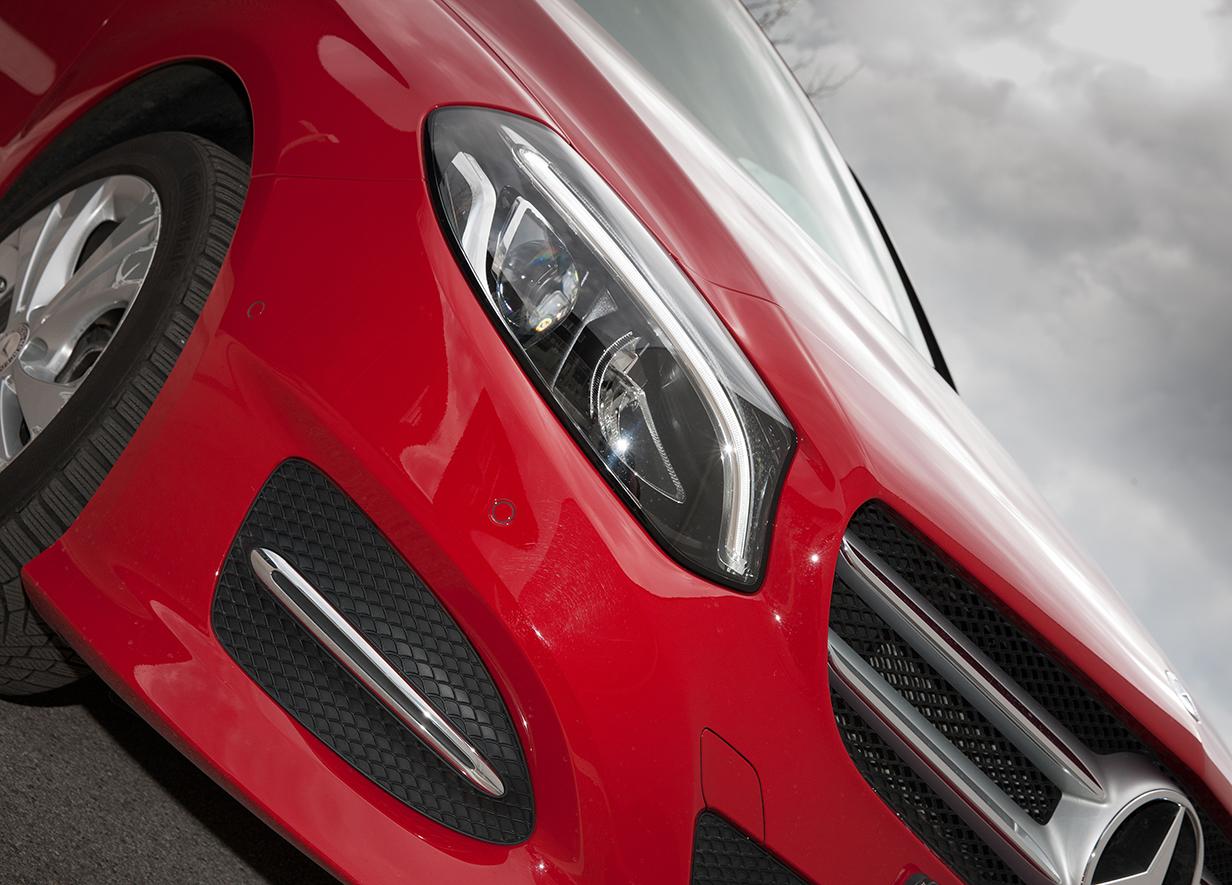 Mercedes-Benz B180 2015 grill kühlergrill scheinwerfer detail