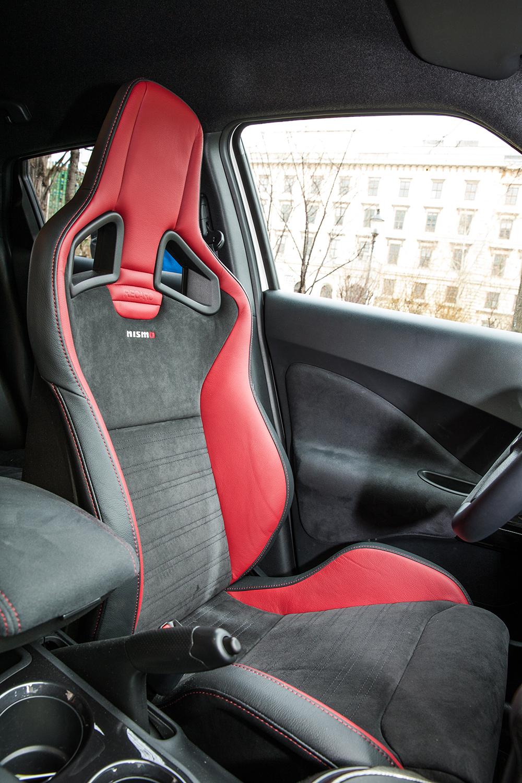 Nissan Juke Nismo RS 2015 sitz schalensitz innenraum innen