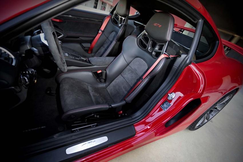 Porsche-Cayman-GT4-(13)
