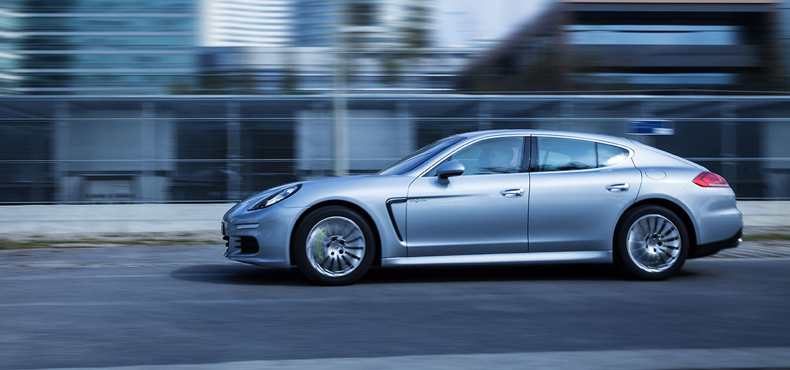 Porsche-Panamera-S-e-hybrid-AR-11