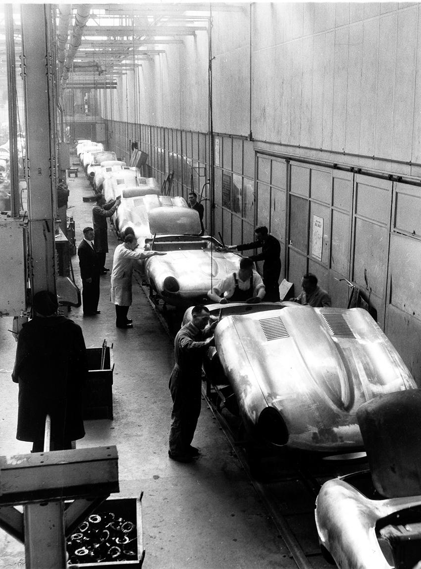 _01-Der-Untergang-der-britischen-Autoindustrie-jag_heritage_etype_1961_41