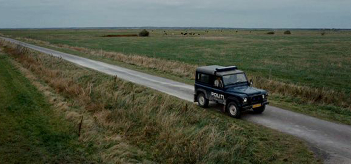 10-Filme-mit-dem-Land-Rover-Defender-terribly-happy