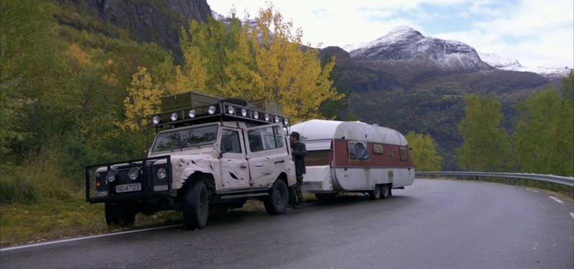 10-Filme-mit-dem-Land-Rover-Defender-Trollhunter