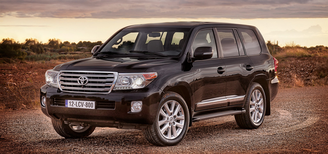 2013-toyota-land-cruiser-v8-facelift-us-41643_1