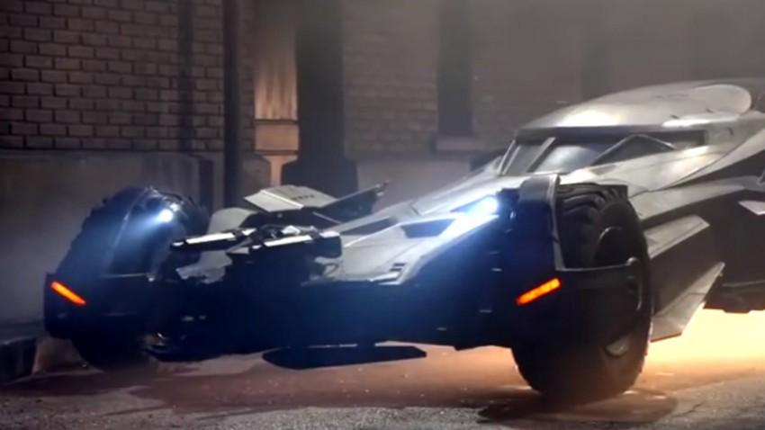 "Das neue Batmobil in ""Batman vs. Superman"""