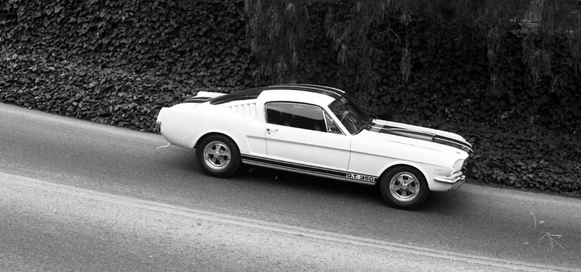 Caroll-Shelby-GT-350_Feb_1965_