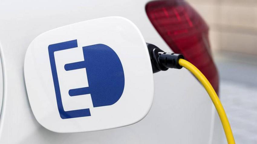 Elektroauto Norwegen Foerderung mercedes_b-klasse_electric_drive_stromanschluss