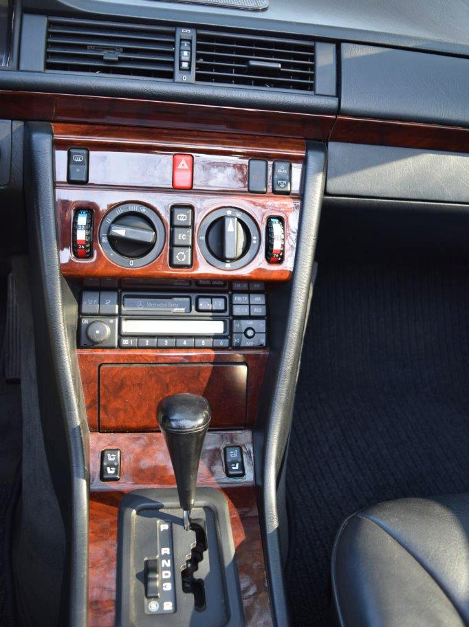 Mercedes-Benz W124 E220 Cabrio 1996 zu verkaufen 8