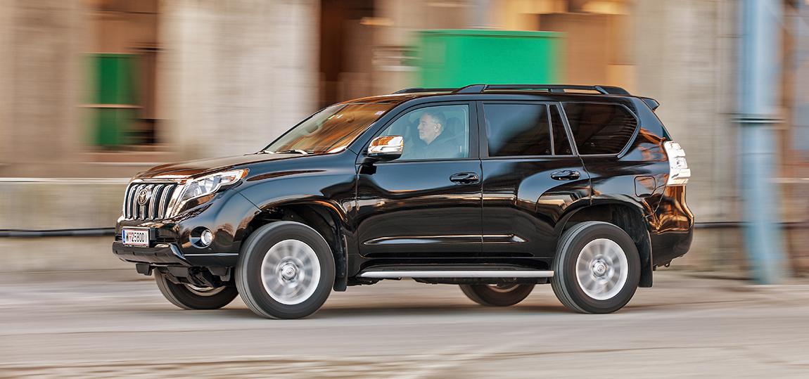 Toyota-Landcruiser-2015