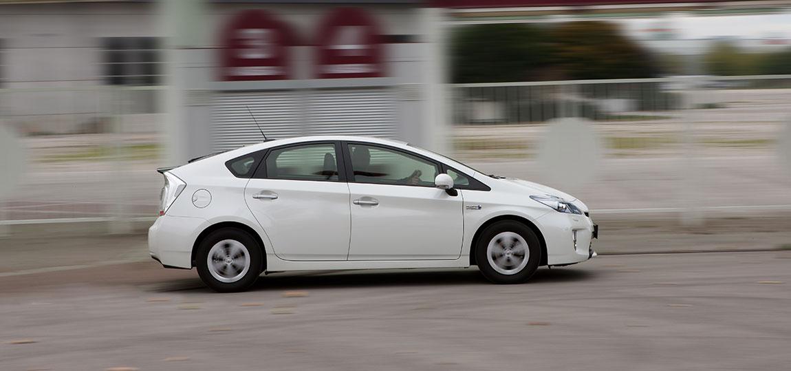 Toyota-Prius_7-AR