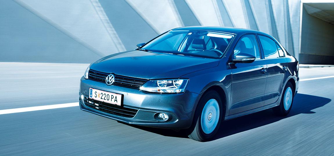 VW-Jetta_13-AR