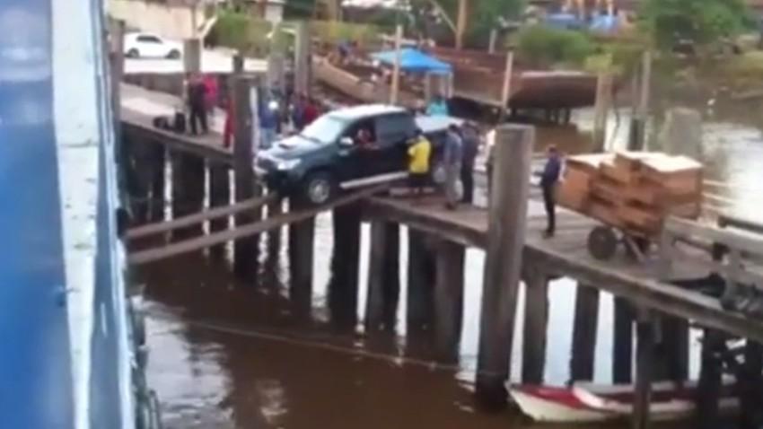 Ein Auto verschiffen: Brasilianer haben Nerven aus Stahl